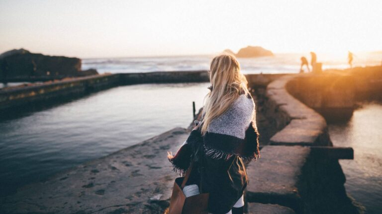 7 Reasons to Travel Alone After a Breakup